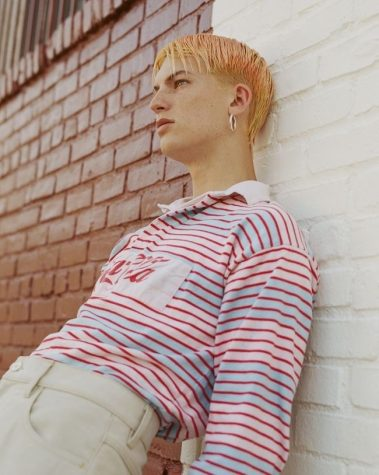 Gus Dapperton and his cool orange hair.
