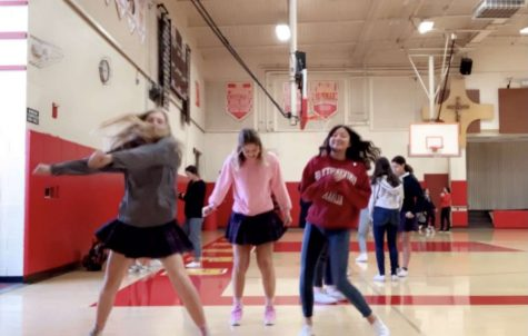 Julianna LeVecke dancing with friends during flex last Red & Gold season. Photo provided by Julianna LeVecke